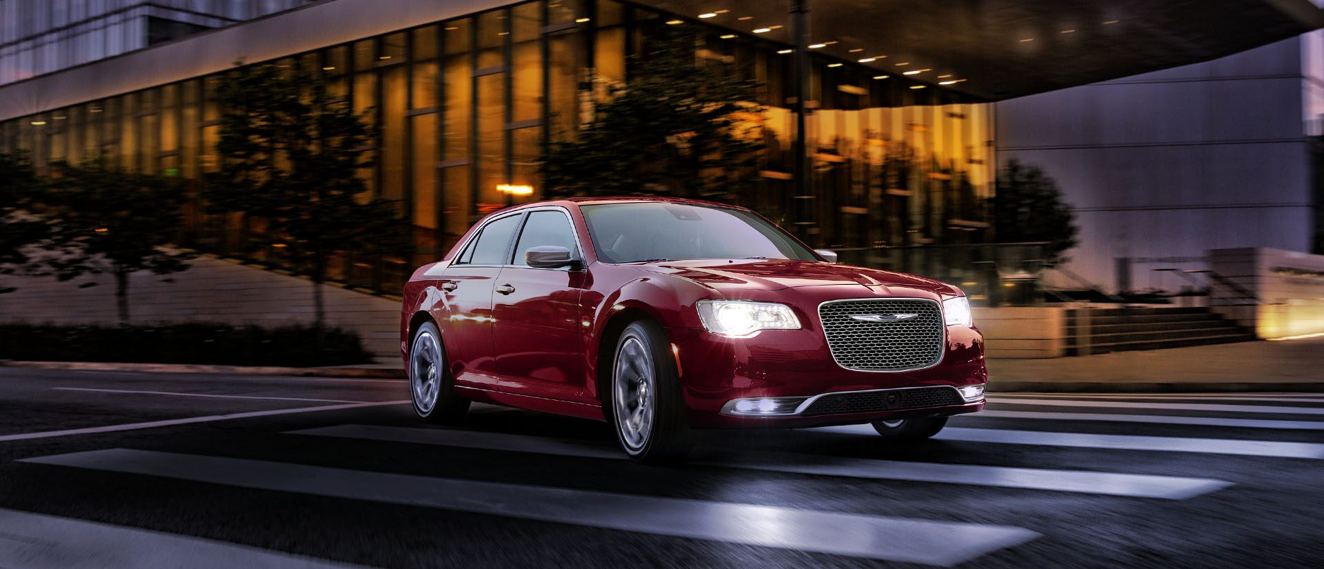 2018-chrysler-300-performance-hero1